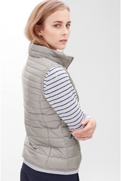 Dámska vesta s.OLIVER / Light down body warmer 04.899.53.3708 9176