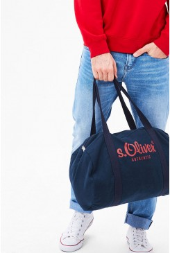 Taška s.OLIVER / Barrel bag with a printed logo  20.702.94.7995 5875